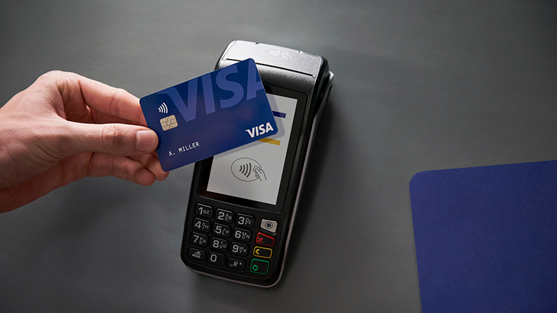 Making contactless payment on a terminal