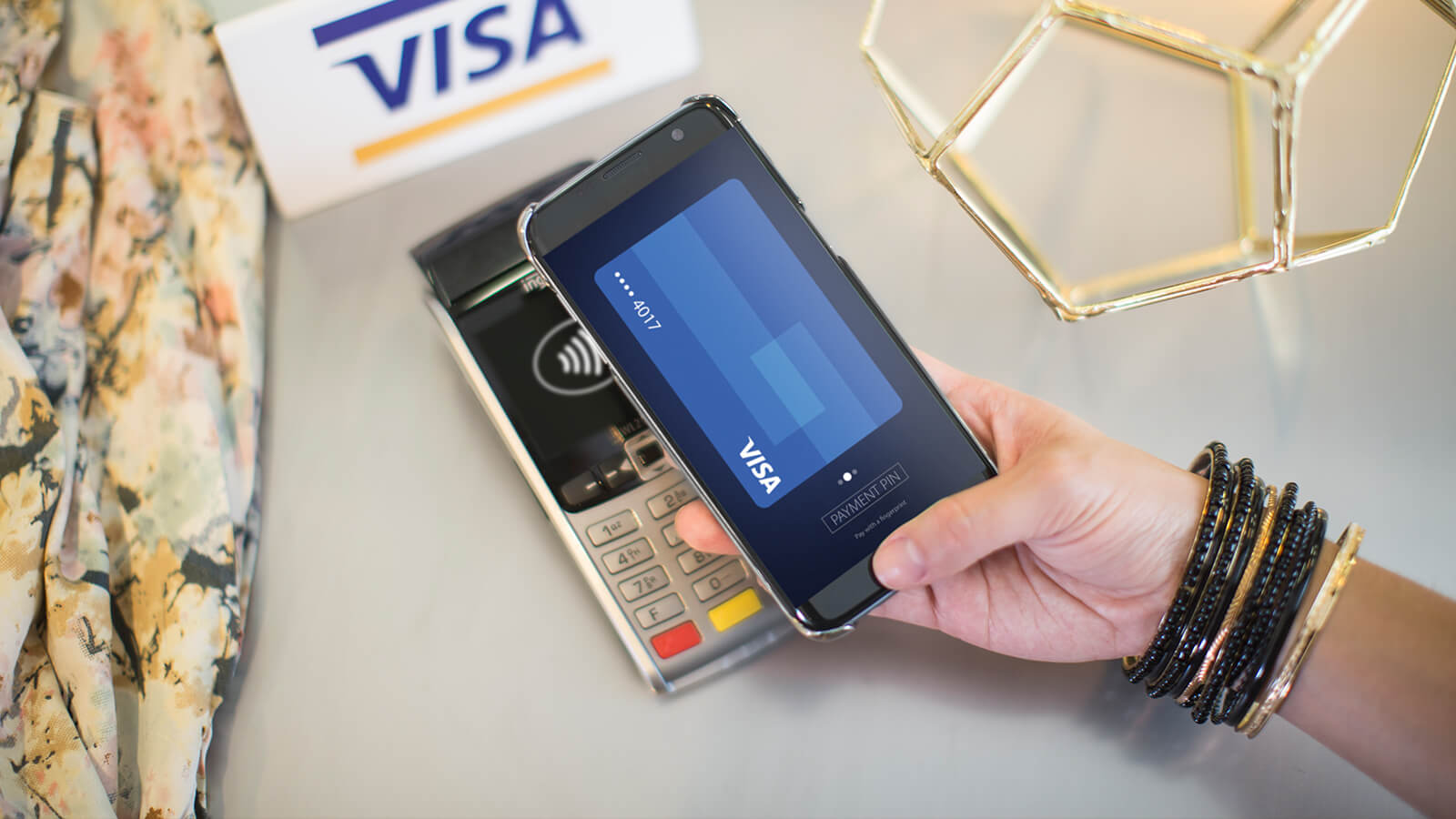 Paying in-store with smartphone contactless payment